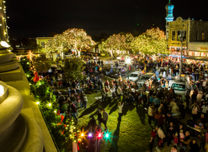 Georgetown Lighting of the Square